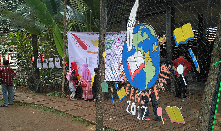 Literacy-Fair-2017-School-of-Universe-Parung-Bogor-Indonesia-SEO-Specialist-Bogor-Aditya-Nur-Baskoro, Konsultan SEO Jakarta, Ahli SEO Indonesia