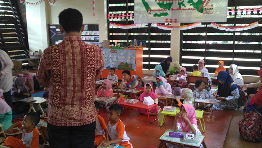 Lomba-Mewarnai,-Literacy-Fair-2017,-School-Of-Universe,-Sekolah-Alam-Parung,-Sekolah-Alam-Bogor,-Sekolah-Bisnis,-SOU-Parung,-Ahli-SEO-Bogor,-Pakar-Google