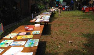 Students-Book-Fair-School-of-Universe-Parung,-Literacy-Fair-2017,-Kursus-SEO-Bogor,-Kuliah-SEO-Parung,-Pelatihan-SEO-Bogor,-Training-SEO-Bogor,-Belajar-SEO-Bogor